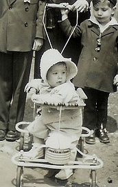 mid-20th-cent-stroller