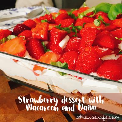 StrawberryDessertMacaroonDaim