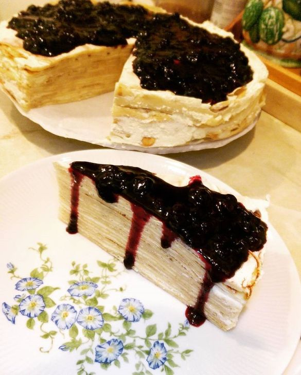 Mille crepe blueberry cake
