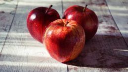 apples-close-up-delicious-1510392